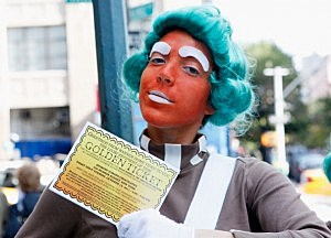 "Oompa Loompas Hand Out Golden Tickets For The ""40th Anniversary Of Willy Wonka & The Chocolate Factory"" Event"