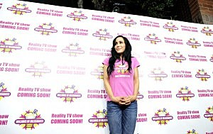 Octomom Nadya Suleman & Her 14 Children Launch Their Shake At Millions Of Milkshakes